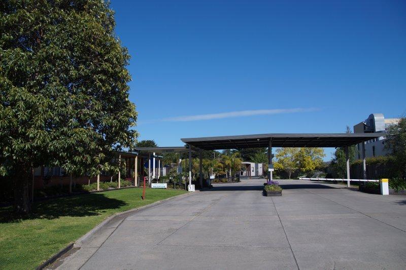Entrance to Ashley Gardens (2)