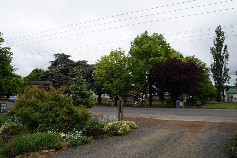 Park across road from Bothwell Golf Museum