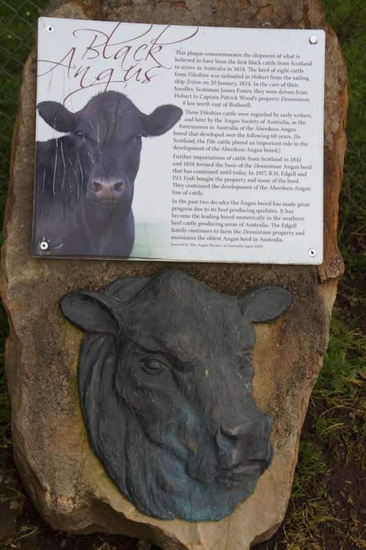 Plaque commemorating first shipment of black cattle from Scotland in 1824, Bothwell