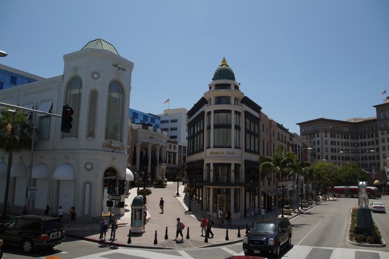 Rodeo Drive - hotel in background scene of Pretty Woman