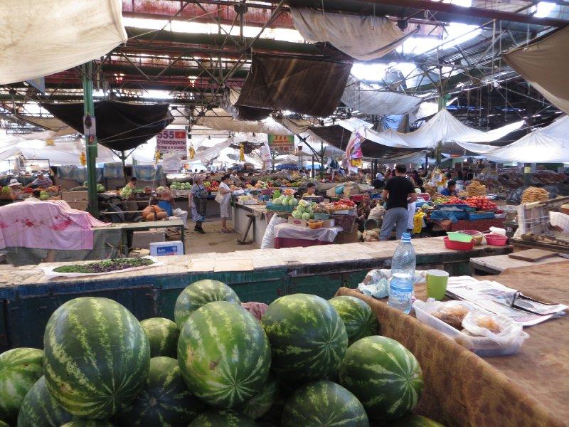 Le bazar d'OSh à Bichkek