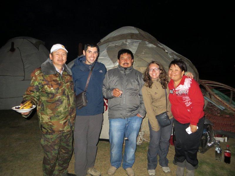 Invités par des Kirghizes à partager leur repas