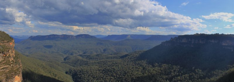 large_Blue_Mountains_3.jpg