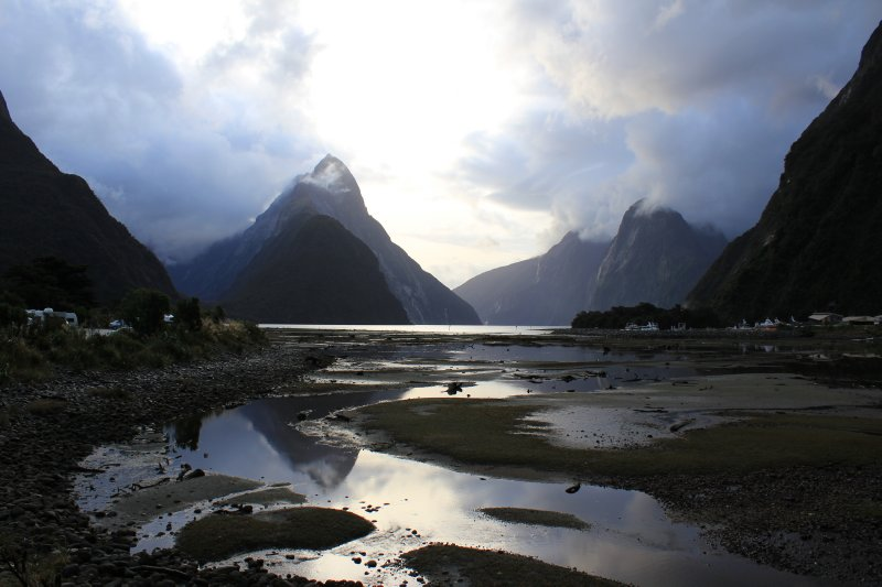 large_Milford_Sound__3_.jpg