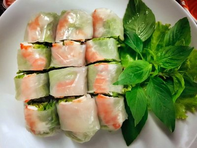 Rice paper roll with shrimp and fresh mint, EM Quartier food court, Bangkok