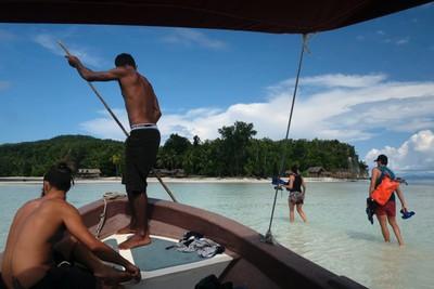 Heading back to Kri island
