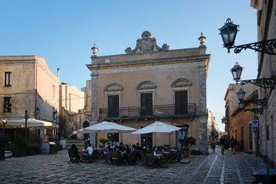 Piazza Umberto, Erice