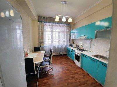 Apartment above Navat restaurant, Bishkek