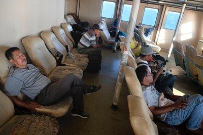ferry_fauteuil_trou.jpg