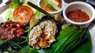 Nasi bakar ayam at Holy Duck restaurant, Medan