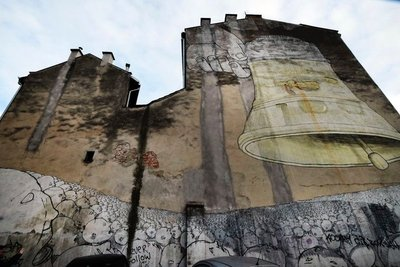 """Street Art """"Ding, Dong, Dumb"""" Krakow, Poland"""