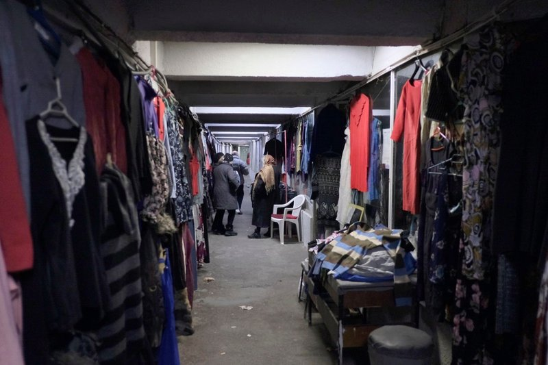 Shopping stalls in underground passageways