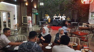 Live music at Potret Cafe, Medan