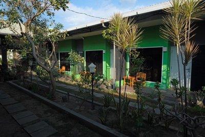 Ponduk Daun guest house, Sumbawa Besar