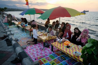 Restaurant on the waterfront, Sumbawa Besar