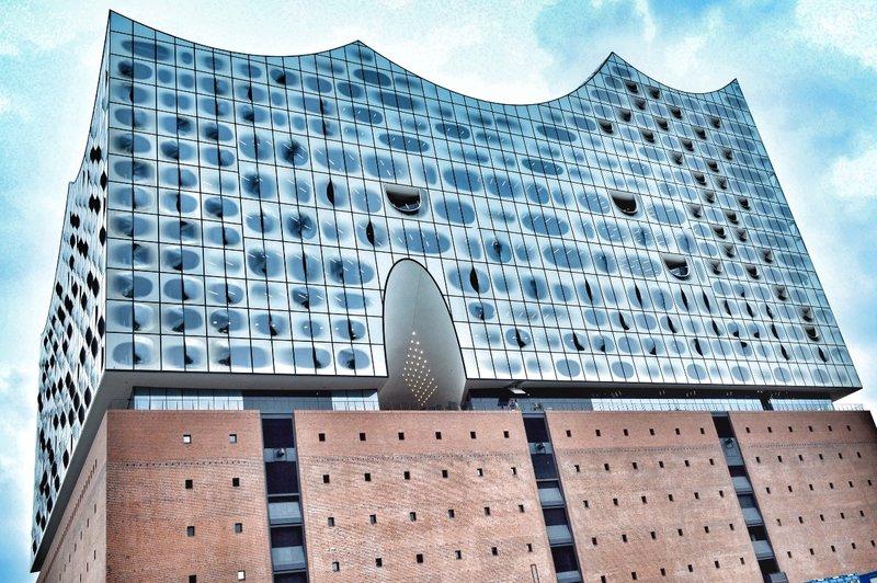 Hamburg theatre house. Wave like....