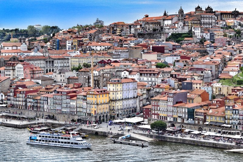 The best landscape views of Porto are from the other side of the river.