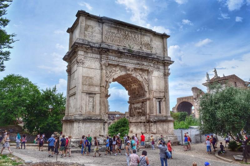 Roman forum arch.