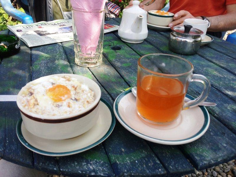 Special Muesli and Lemon Tea