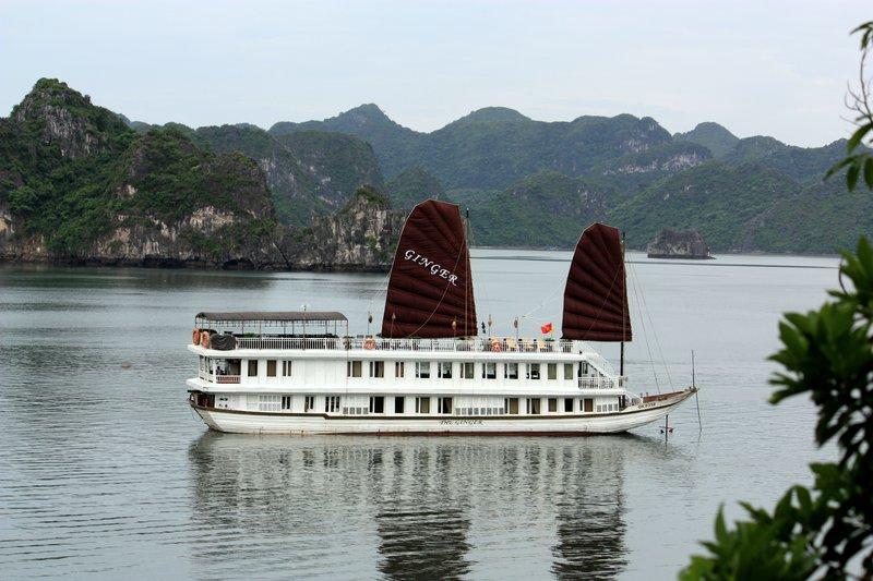 Fantasic Ginger cruise on Halong bay