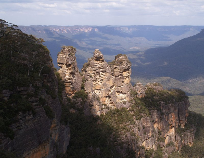 Blue Mountains - the 3 sisters rock formation