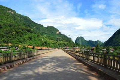 Laos & Thailand 298