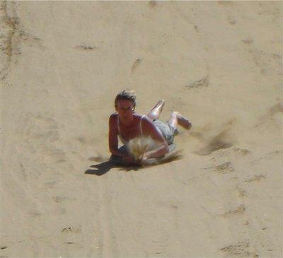 SandBoarding_b.jpg