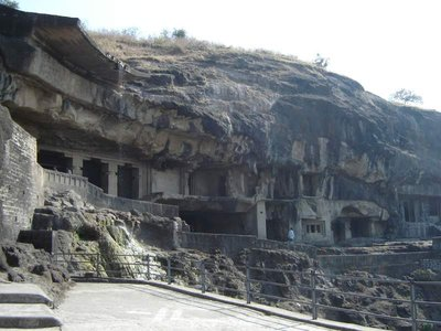 Buddhist_caves_ellora.jpg