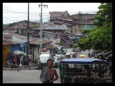 Streets_of_Iquitos.jpg