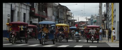 Traffic_in_Iquitos.jpg