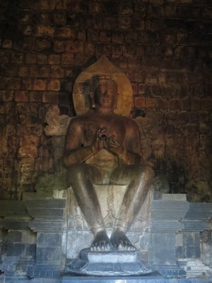 Another golden budhha - this time in a different seated position to most of the buddhas we've seen