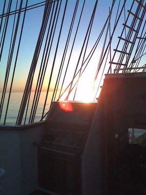 Sunrise_on_the_bridge.jpg