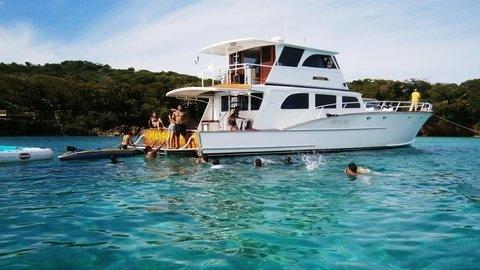 Roatan Boat Charters