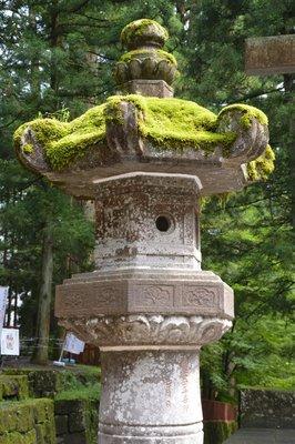Steinlaterne, Tosho-gu-Tempelanlage
