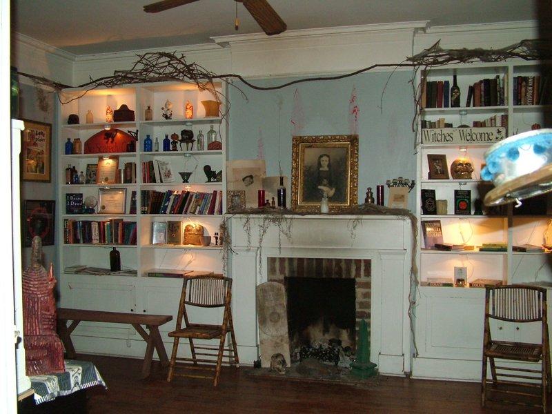 Sixth Sense Savannah's Historic House Parlor