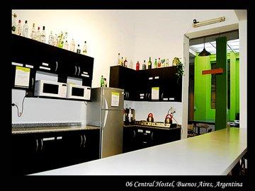 06´s Kitchen