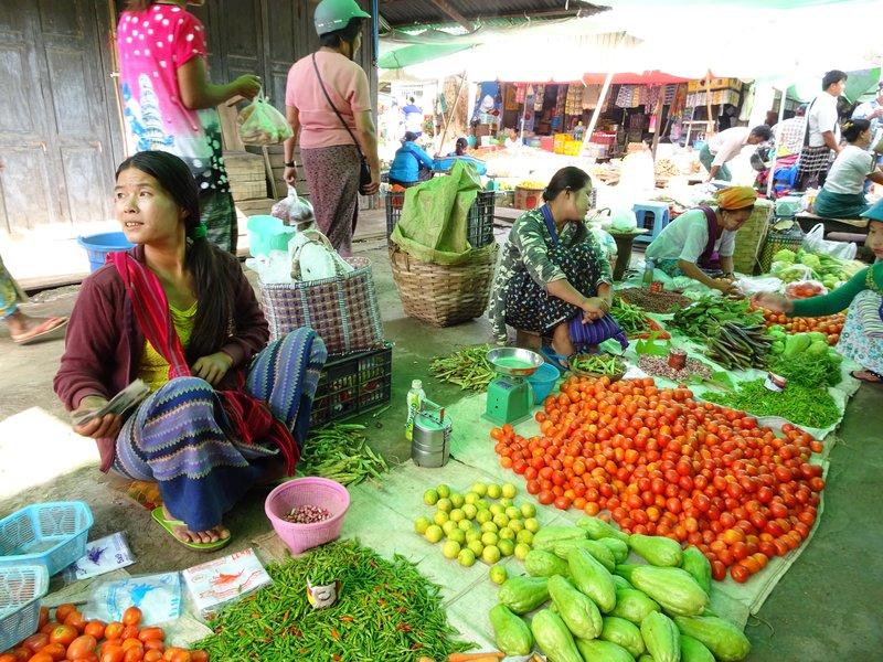 Au marché de Loikaw