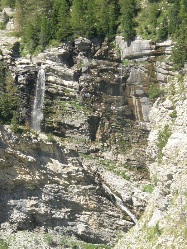 Cascades dans la haute vallée de la Bléone
