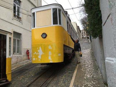 0920_tues_lisbon_tram3.jpg