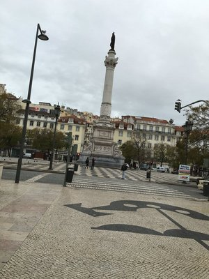 90_0936_tues_lisbon_street8.jpg
