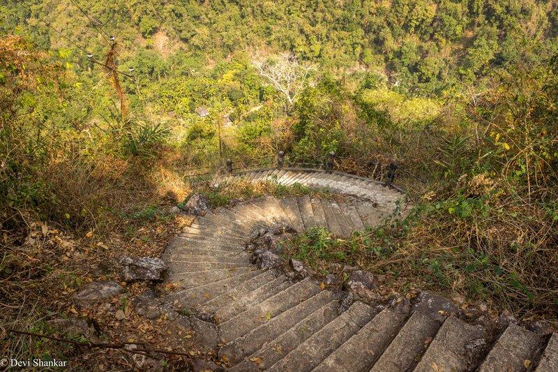 En route Trek - Living Roots Double Decker Bridge