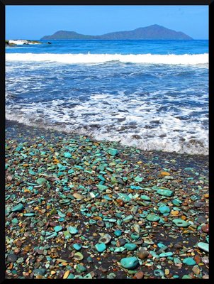 blue_pebble_beach.jpg