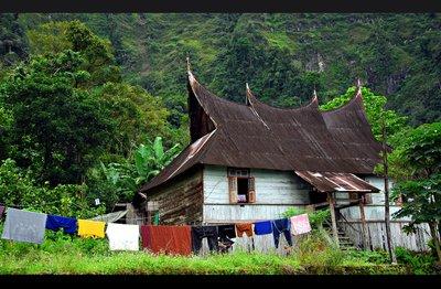 maninjau_houses.jpg