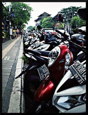 ubud_streets.jpg