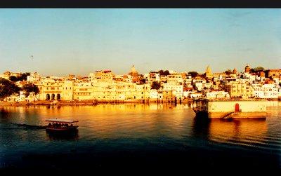 udaipur_lake_tp.jpg