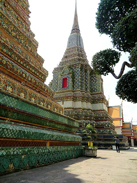 large_1_13937559..-in-wat-pho.jpg