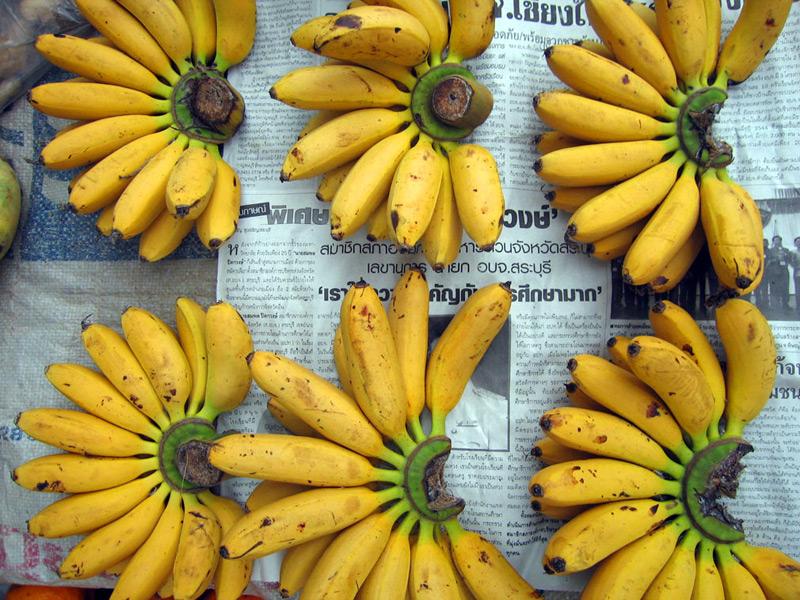 large_market-bananas.jpg