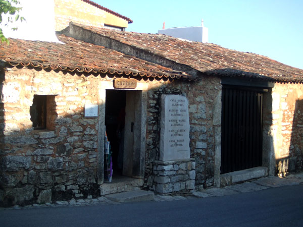 Houses of Three Shepherd ?