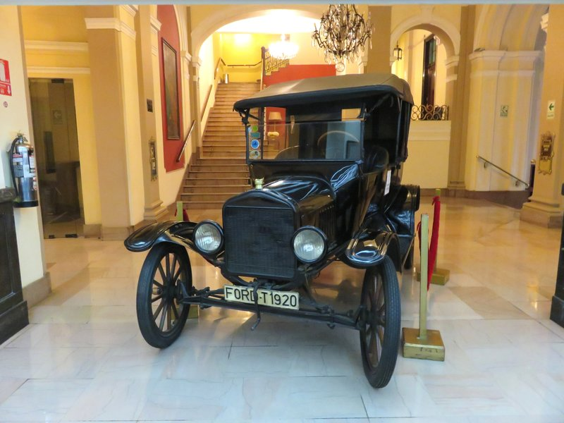 T Model Ford  @ Gran Hotel Bolivar