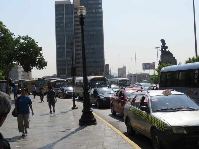 Bus stop - Lima